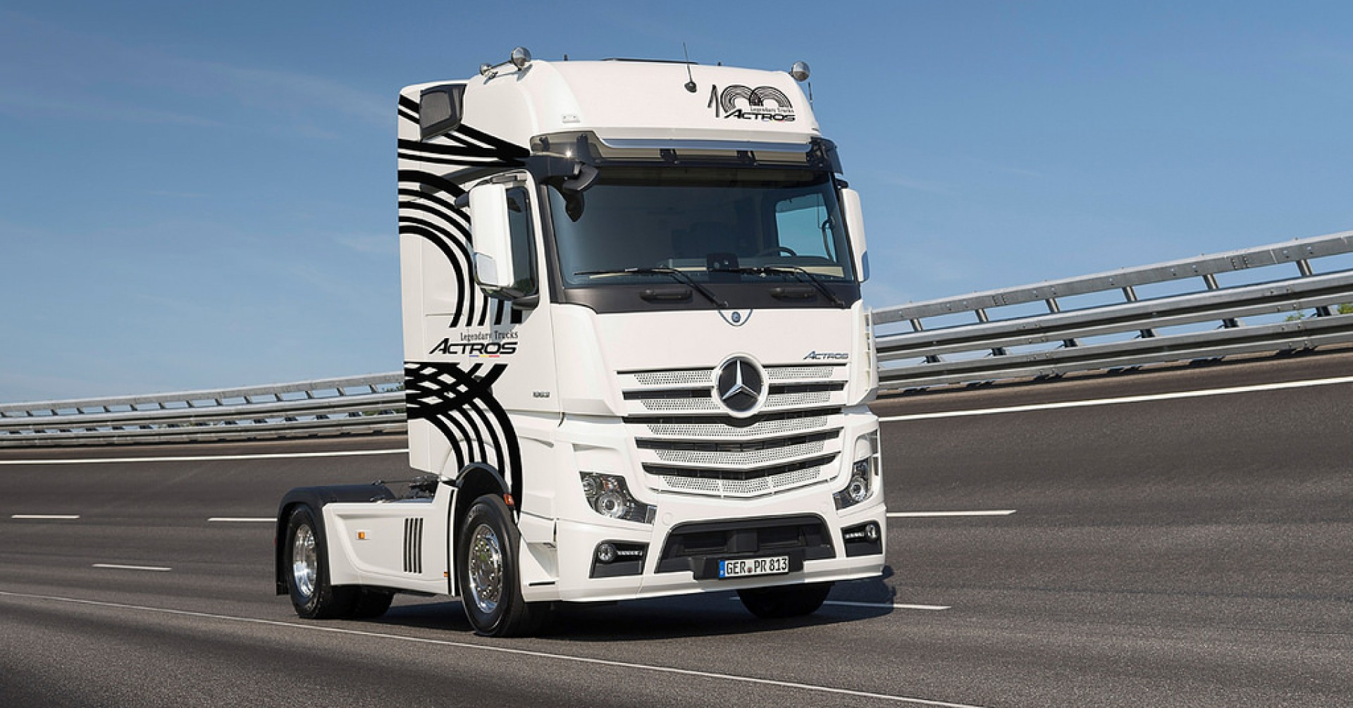 100 ACTROS MERCEDES-BENZ LEGENDARY TRUCKS