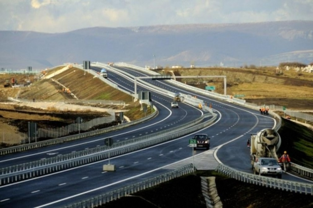 Autostrada care a intrat la apă. A devenit drum expres