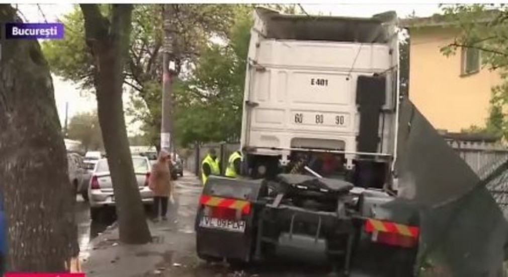 VIDEO. Camionul care a  distrus 11 mașini