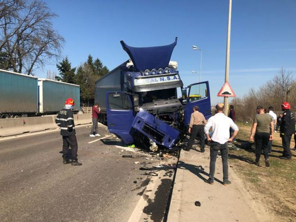 Grav accident pe Centura București. TIR, intrat pe contrasens